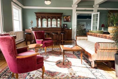 Emerson Inn Lobby